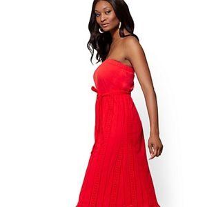 New York & COMPANY RED EYELET MAXI DRESS M
